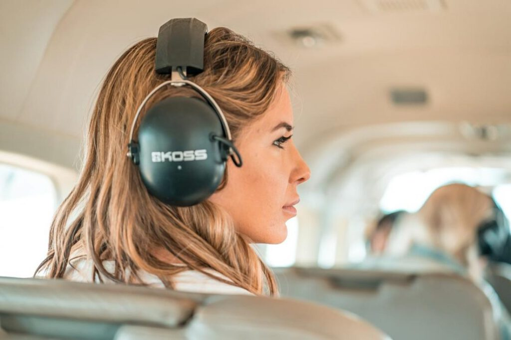Headphone Kabel vs Nirkabel Mana yang Lebih Baik.jpg