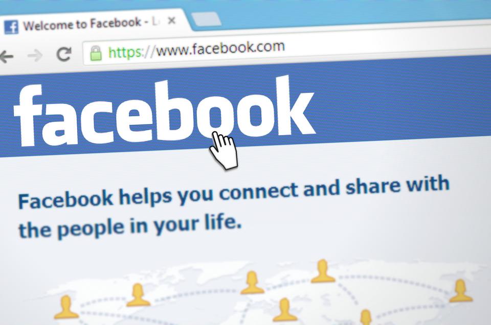 Cara Download Story Facebook di HP dan Komputer
